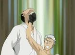Ryohei golpea a Ooyama