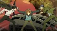 Tsuna detiene a Hibari y Mukuro