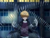 Belphegor usando sus cuchillos