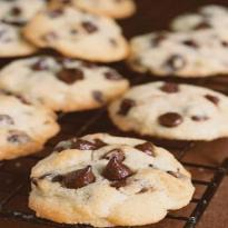 File:Cookies-com-gotas-de-chocolate.jpg