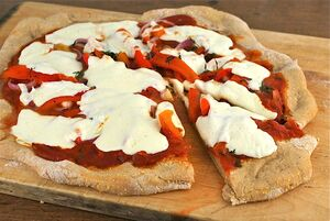 Red-pepper-and-onion-pizza