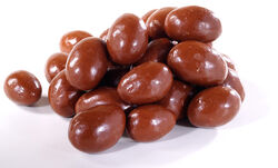Chocolate-covered almonds image