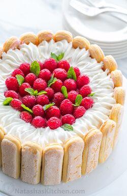 Lady-fingers-charlotte-cake