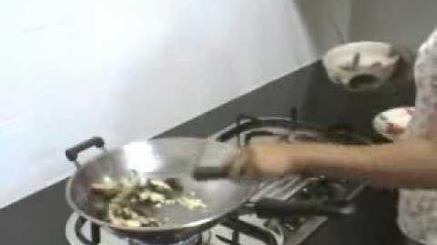 Shrimp Stir Fry with Black Pepper (Goong Pad Prig Thai Dum)