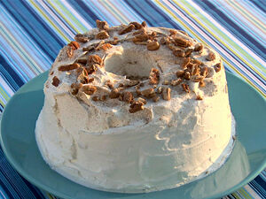 SH1013 Pecan-Cinnamon-Angel-Food-Cake lg