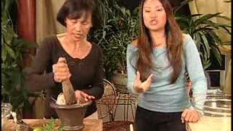 THAI FOOD Papaya Salad (som dum)