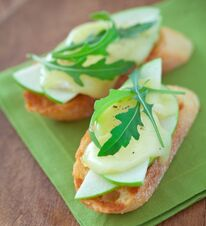 Apple and Brie Toasts