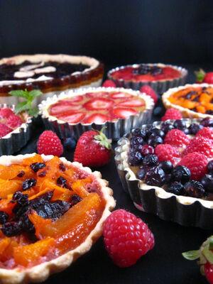 Medieval-fruit-tarts