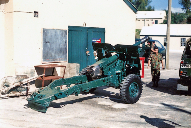 File:Bermuda Regiment 25 Pounder Field Gun.png