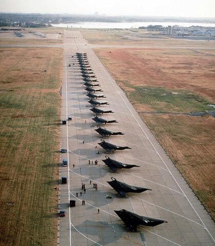 File:USAF F-117 Stealth Nighthawks.jpg