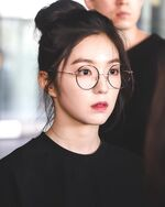 Irene Arriving at Incheon Airport 170611 3
