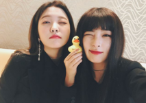Seulgi and Yeri IG Update 180320 3