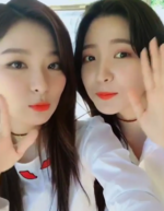 Seulgi and Yeri Instagram Update 3