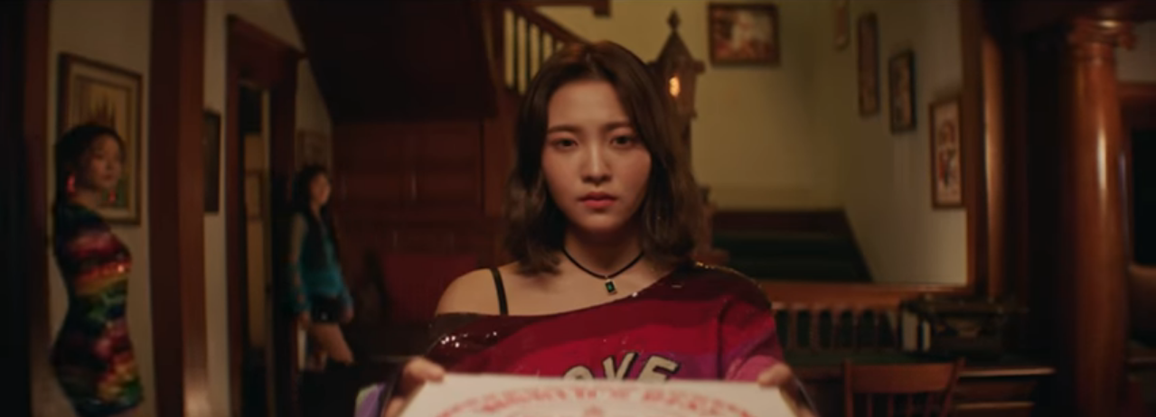 Red Velvet Peek A Boo MV 19.PNG Amazing Pictures