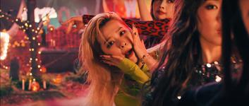 Red Velvet Really Bad Boy MV Screenshot 34