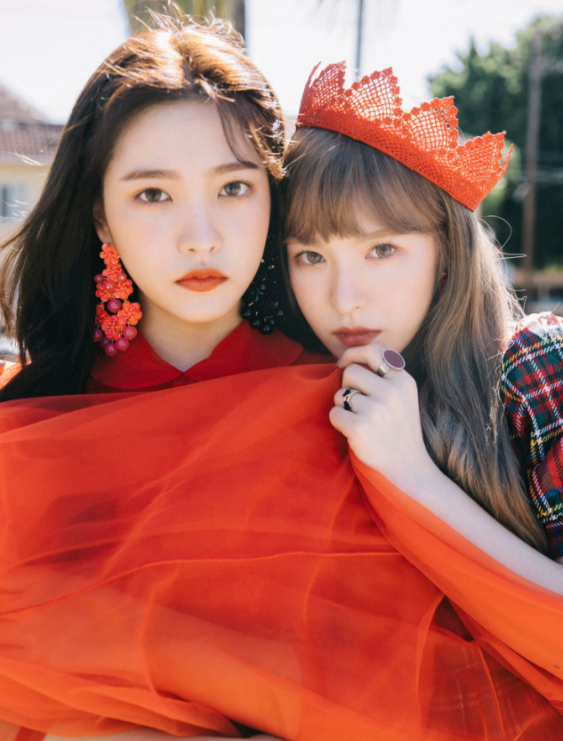 Charming Yeri And Wendy Peek A Boo Teaser.PNG Awesome Design