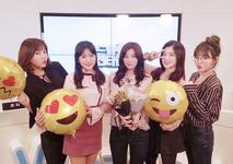Red Velvet emoji balloons