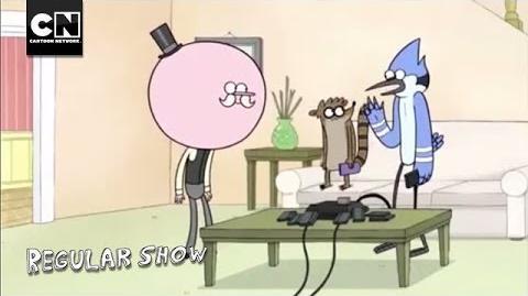 Picking Up a Portrait - Regular Show - Cartoon Network
