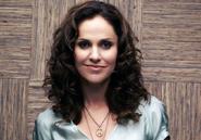 Amy Brenneman V