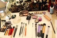 Make-Up - 11