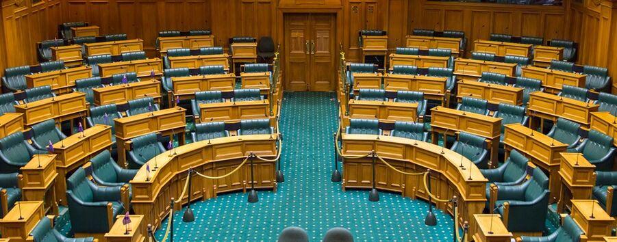 Empty-debating-chamber-of-new-zealand-parliament-2016-1