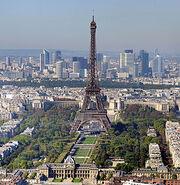 275px-Paris - Eiffelturm und Marsfeld2