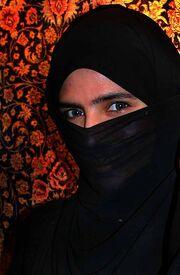 EFatima in UAE with niqab