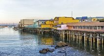 Monterey-wharf-and-marina-monterey-bay-california-usa main