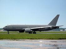 800px-BOEING KC767 McConnellAFB