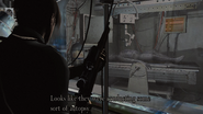 Resident Evil 4 Island Operating theater - Regenerador examine