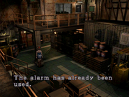 Resident Evil 3 Nemesis screenshot - Uptown - Warehouse examine 02