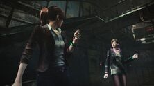 Resident Evil Revelations 2 screenshot - Overseer contacts Claire Redfield and Moira Burton