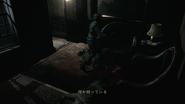 Resident Evil HD - Spencer Mansion Tea Room examine 2