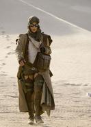 Alice wanders the desert
