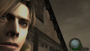 Re4 screenshot leon in front of house
