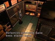 Resident Evil 3 Nemesis screenshot - Uptown - Warehouse examine 04