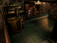 Resident Evil 3 Nemesis screenshot - Uptown - Warehouse pickup 01