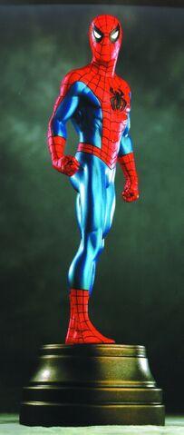 File:Spiderman red stat @ mini.jpg