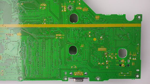File:FZ-10 mainboard underside 04.jpg