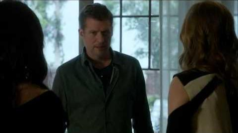 Revenge S4 Ep11 David makes Emily and Victoria live together