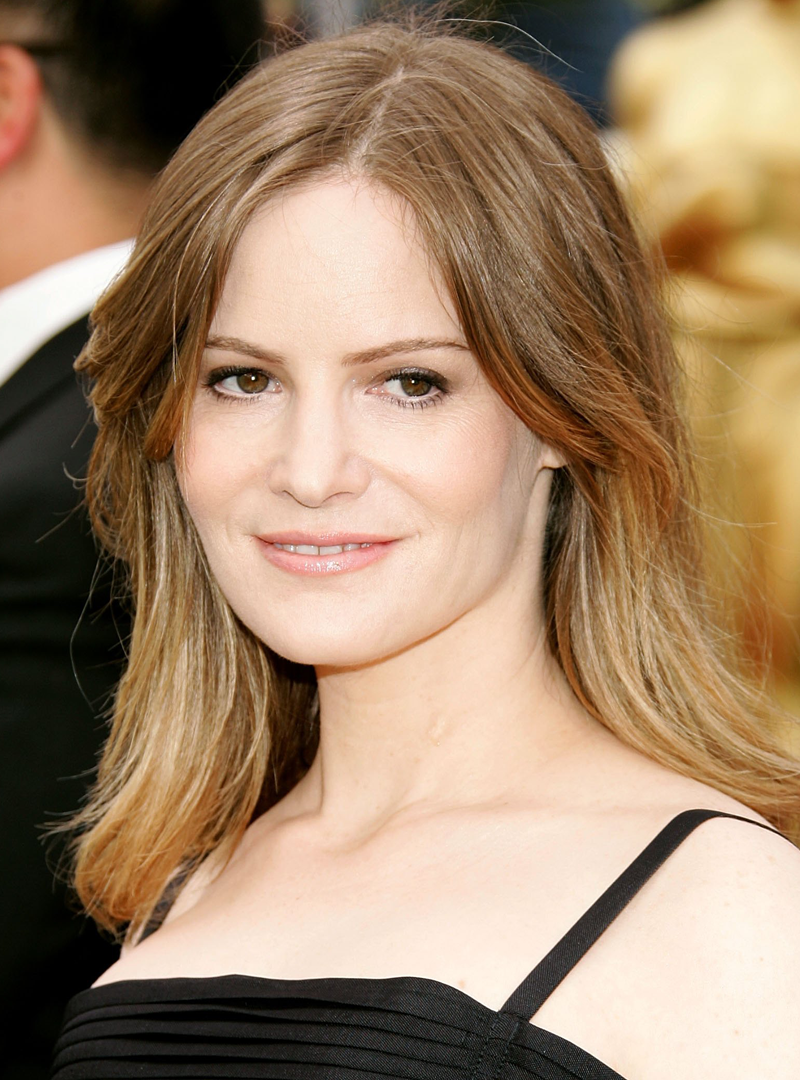 Jennifer Jason Leigh Revenge Abc Wiki Fandom Powered By Wikia