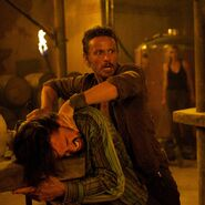 Revolution-Season-2-Episode-11-Recap-Mis-Dos-Padres-Fight