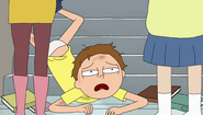 S2e4 morty on the ground
