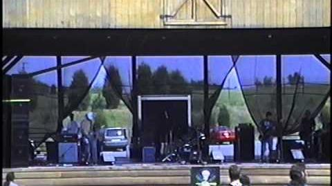 Smoke in Sunshine live at the first Stoner Hands of Doom (SHoD) in 1999