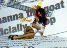 Rihanna-sm-video-pics