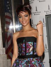 Rihanna Cartier Love Charity 2