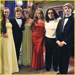 Dylan-cole-sprouse-prom