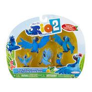 Rio 2 Macaw family toy