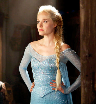 1412017425 elsa-once-upon-a-time-zoom