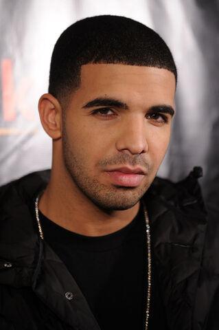 File:Drake Drake Trey Songz Pitbull Celebrate Launch J0UJnOzkMx4l.jpg